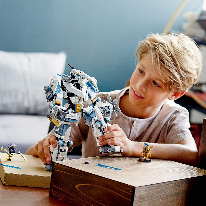 LEGO Ninjago - O Combate do Robô Titã de Zane - 71738