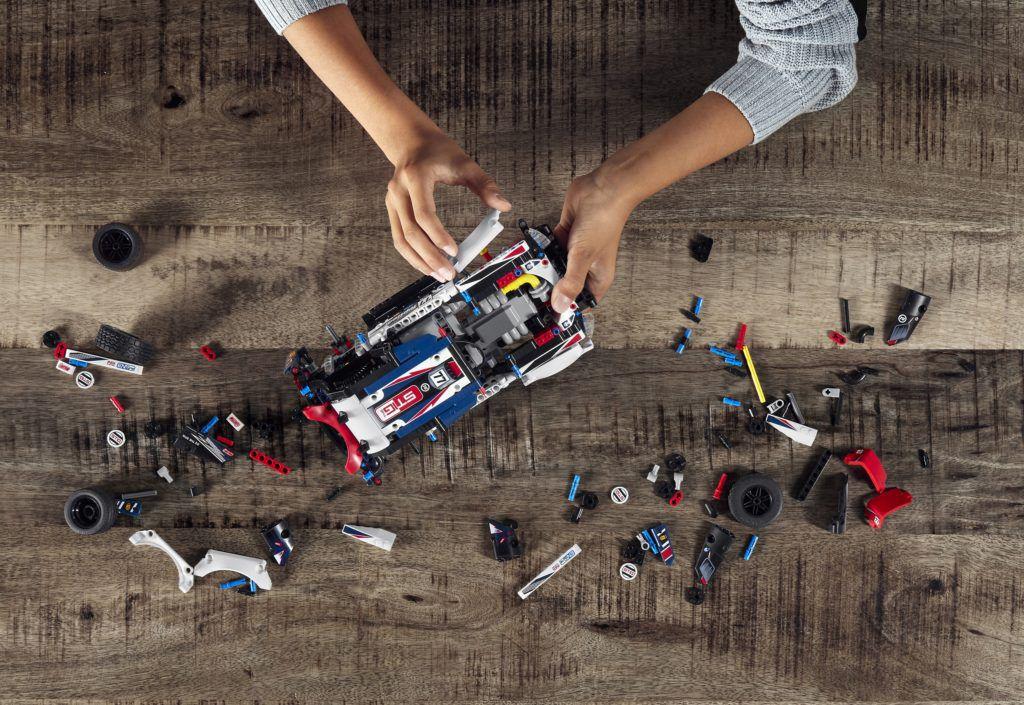 LEGO TECHNIC - Rali Top Gear Controlado por App
