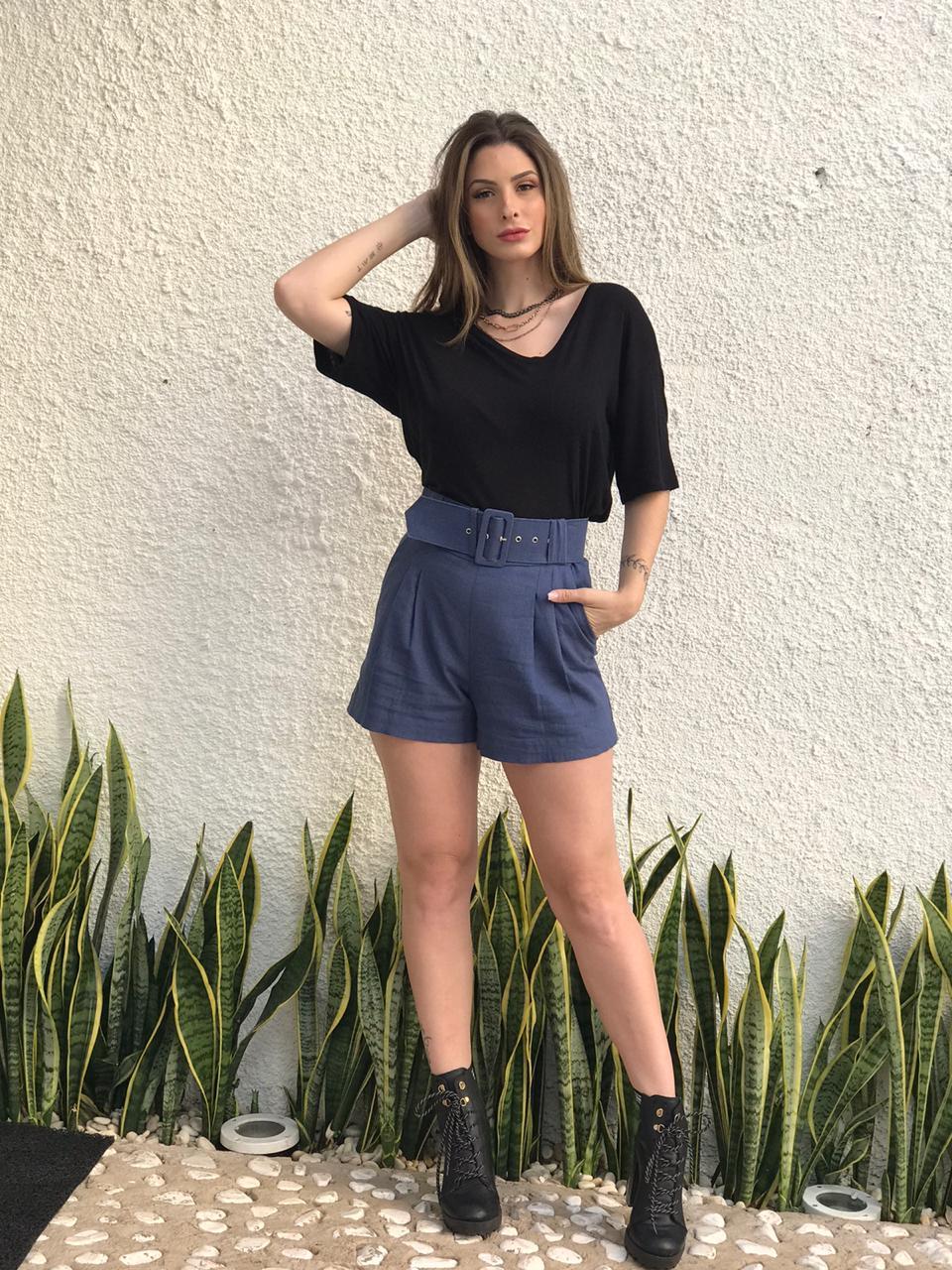 Shorts Aura