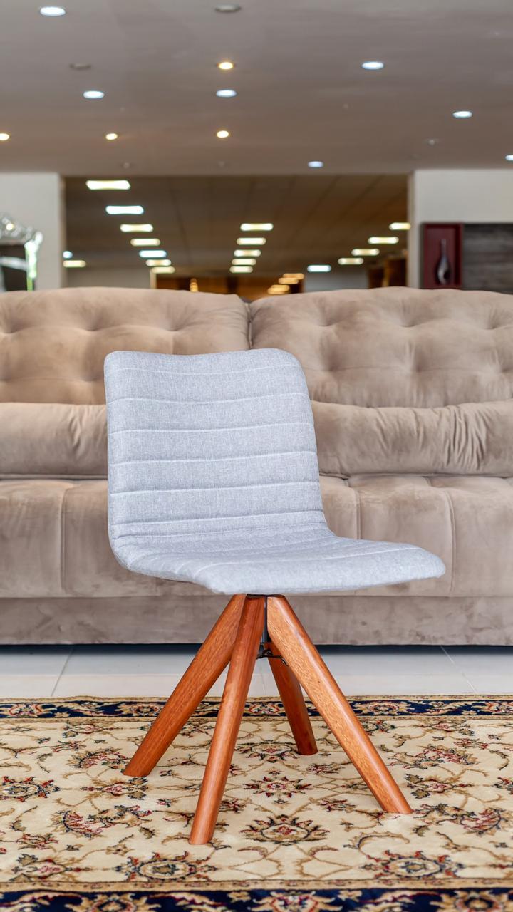 Cadeira Rafaela.