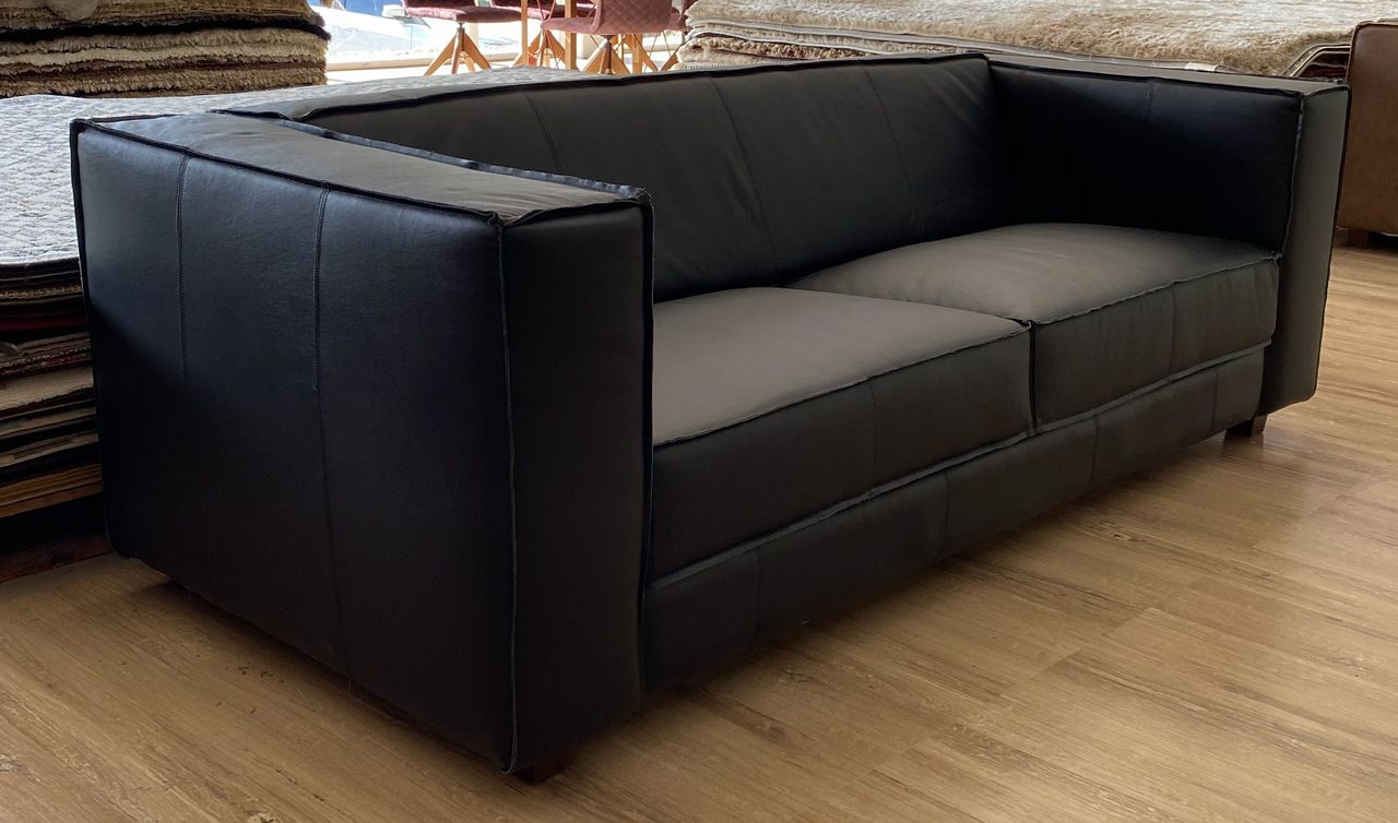 Sofá Box em Couro Natural 220 x 90 cm - Preto