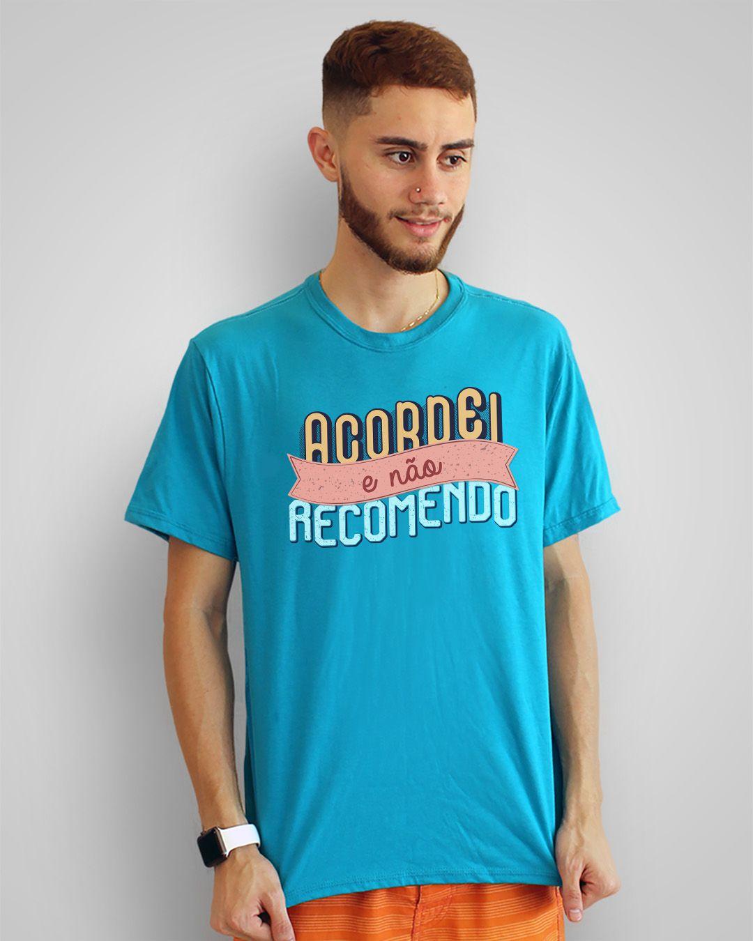 Camiseta Acordei e não recomendo