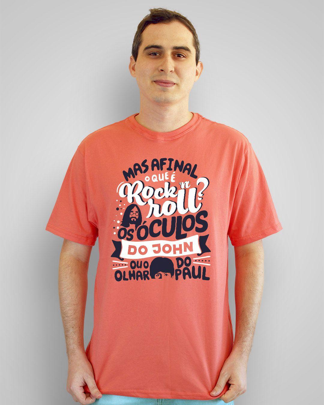 Camiseta Mas afinal, o que é Rock 'n' Roll? Os óculos do John ou o olhar do Paul? - Engenheiros do Hawaii