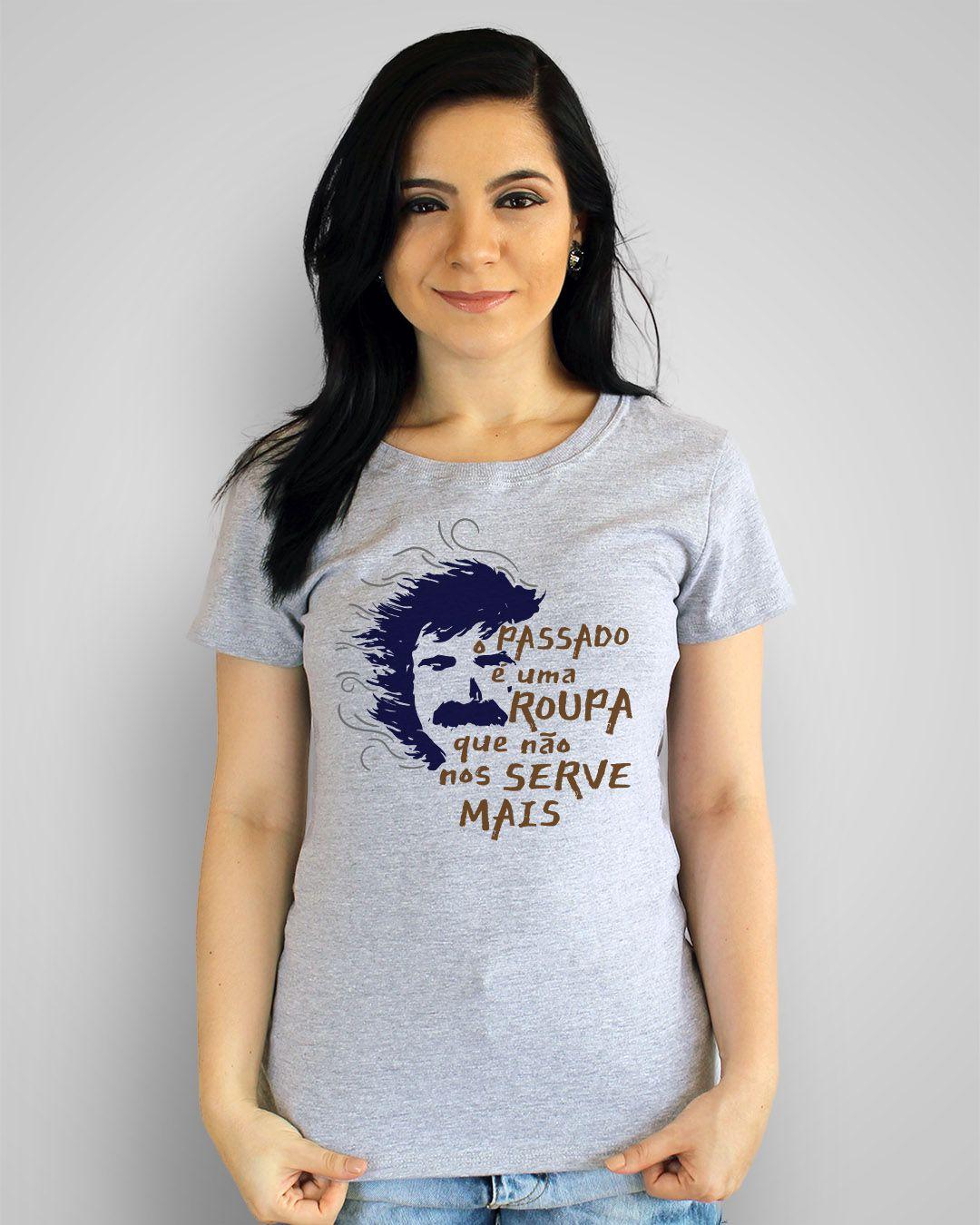 Camiseta O passado é uma roupa que não serve mais - Belchior