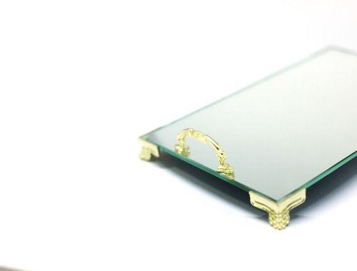 Bandeja Espelhada Veneza Com Alça Dourada Luxo Lavabo Banheiro Sala 22x14