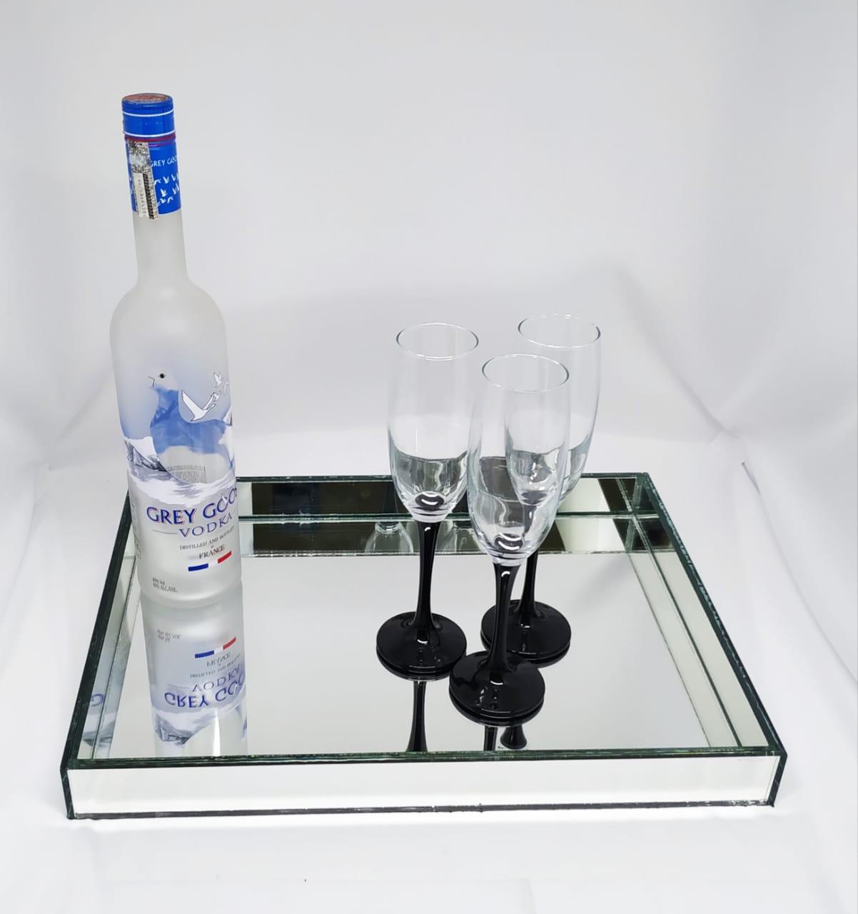 Bandeja Espelhada Retangular De Mesa Para Jantar E Bebidas 30x40