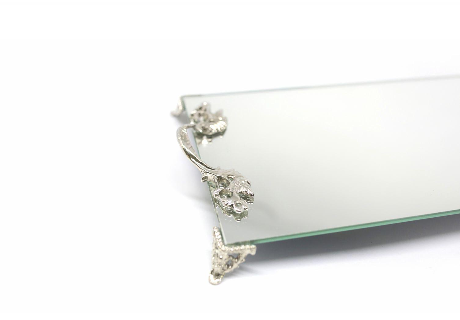 Bandeja Espelhada Com Alça Prata Luxo Lavabo Banheiro Sala 30x18