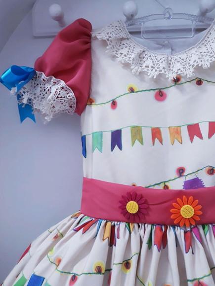 vestido de quadrilha igrejinha bege