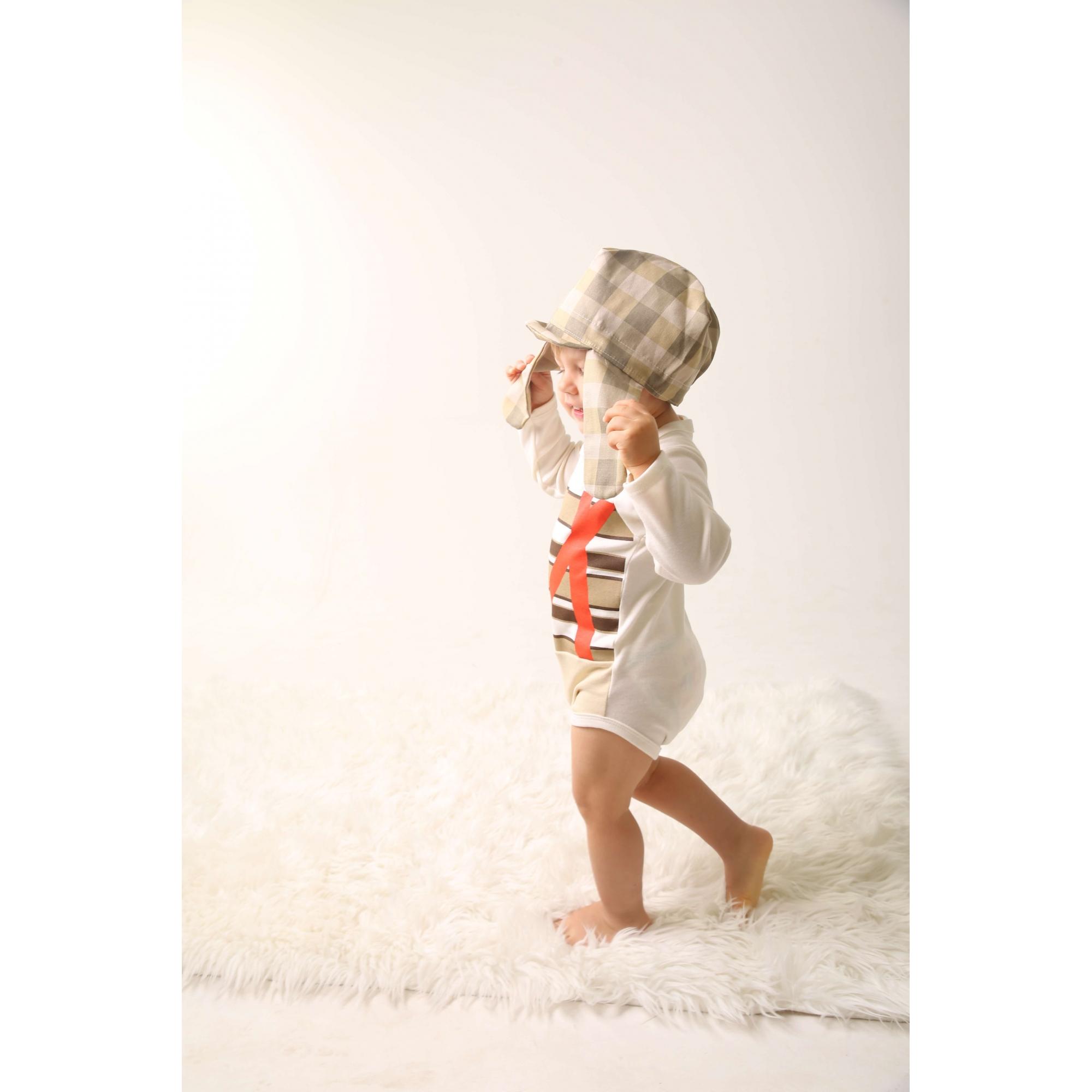 Body Bebê Infantil personagem fantasia mesversario Chaves com touca