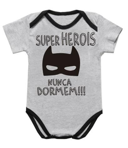 Body Bebê Infantil Heróis nunca dormem / preto