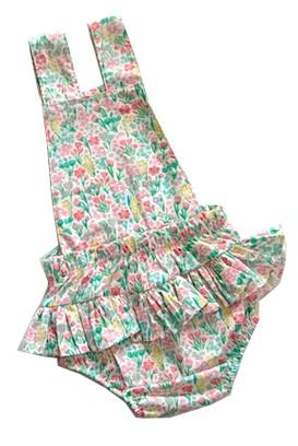 Jardineira tricoline Pascoa com aplique de coelhinho menina Floral