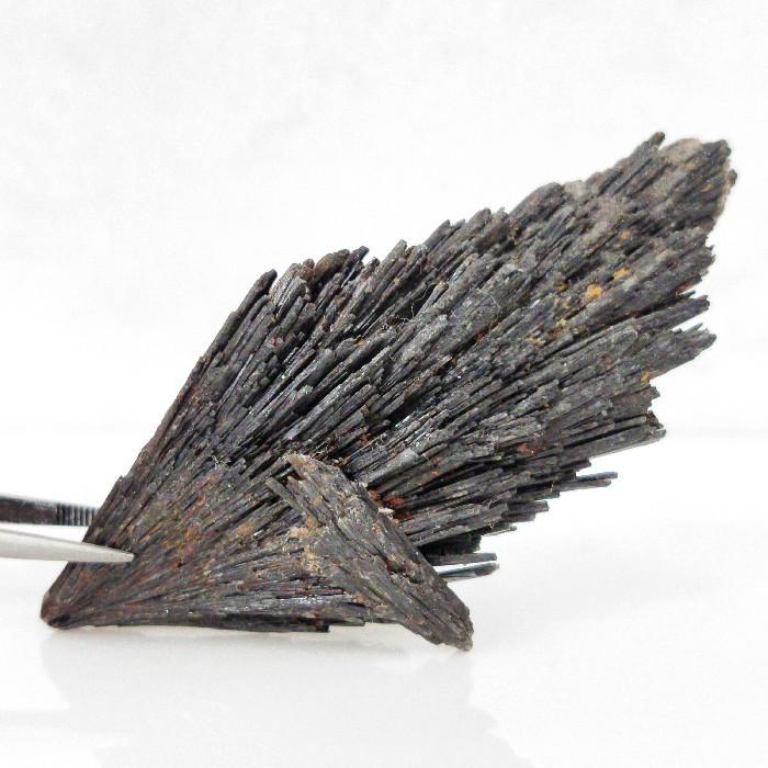 Cianita preta - 7,8 cm
