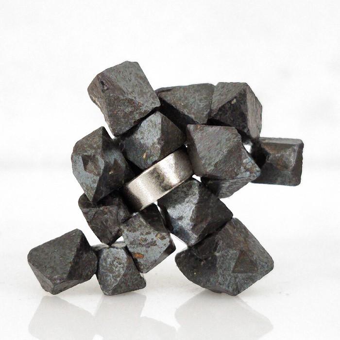 Magnetita com imã - 15 peças