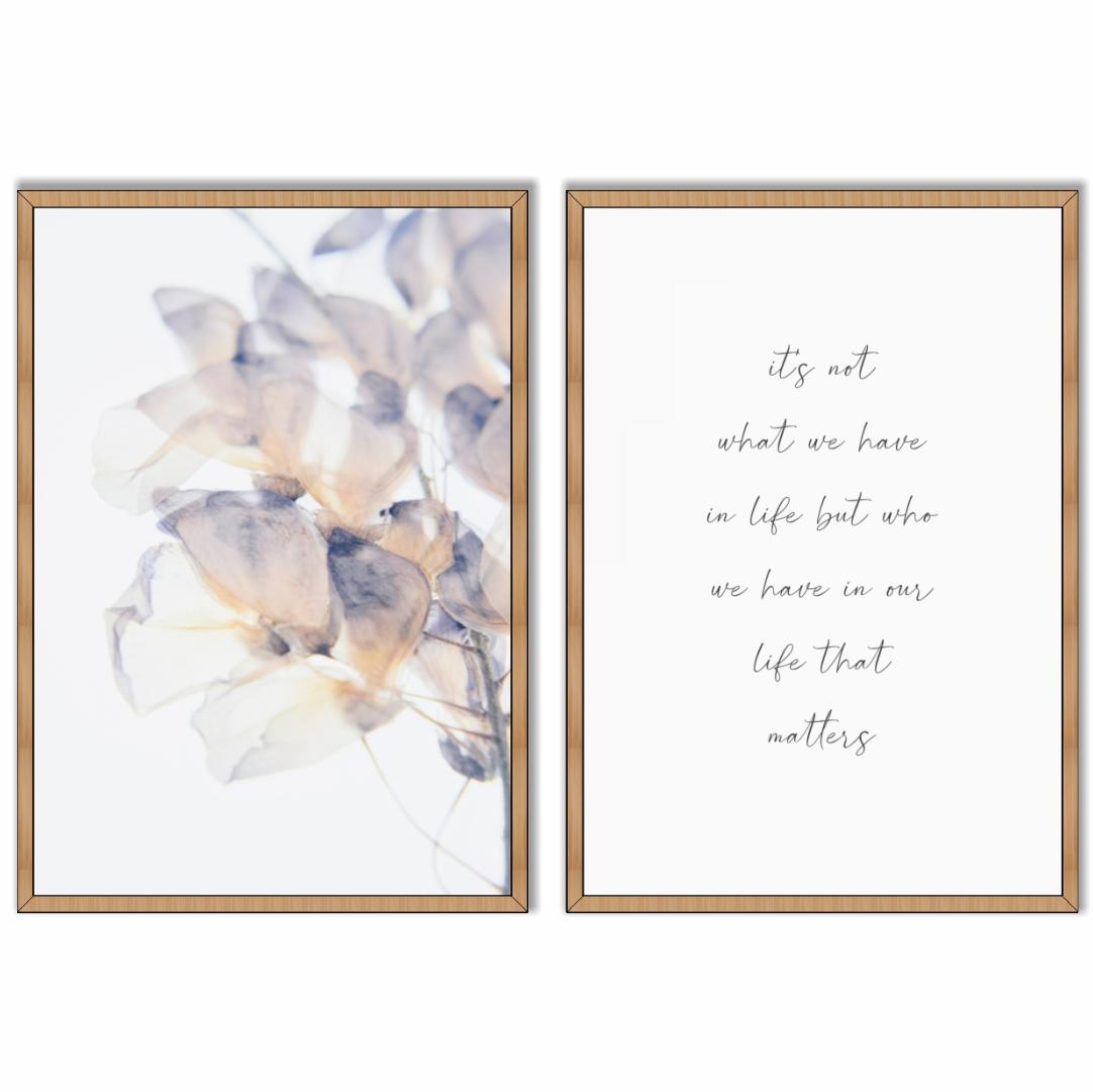 Conjunto com 2 Quadros Decorativos com Flor e Frase