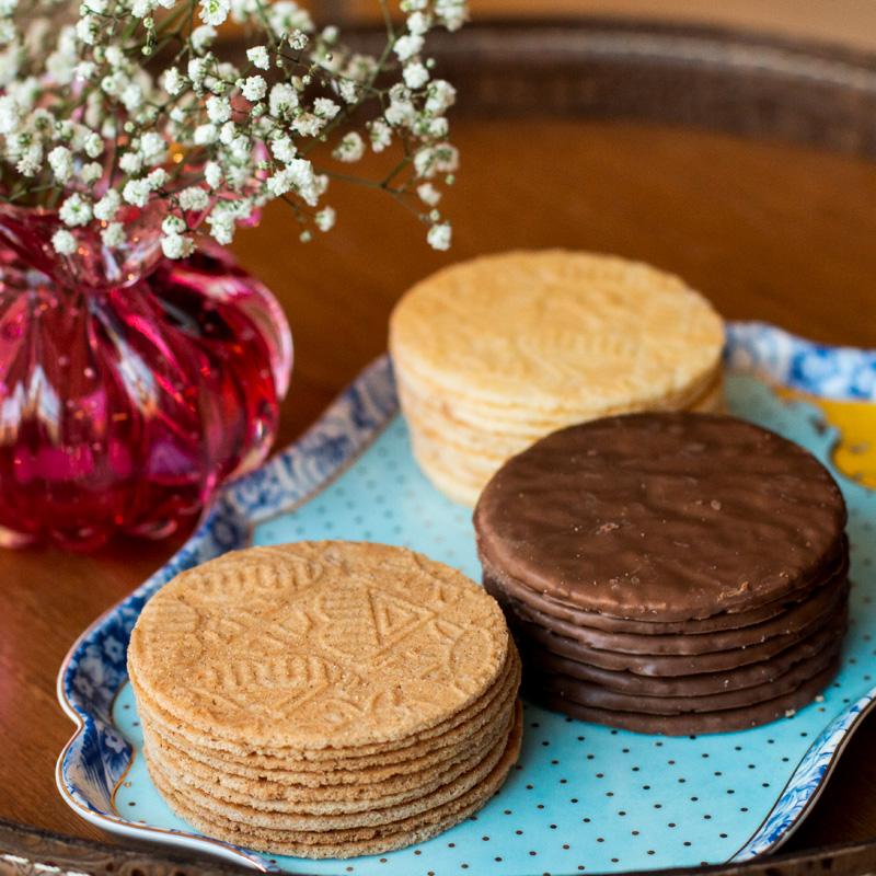 Lata Biscoitos Clássicos - 400g | Dia da Mulher (Rosa)