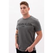 Camiseta Mc Calvin Klein Estonada Logo Meio