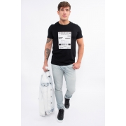 Camiseta Mc Colcci Human Being