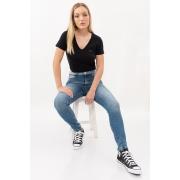 T Shirt Calvin Klein Basica Gola V