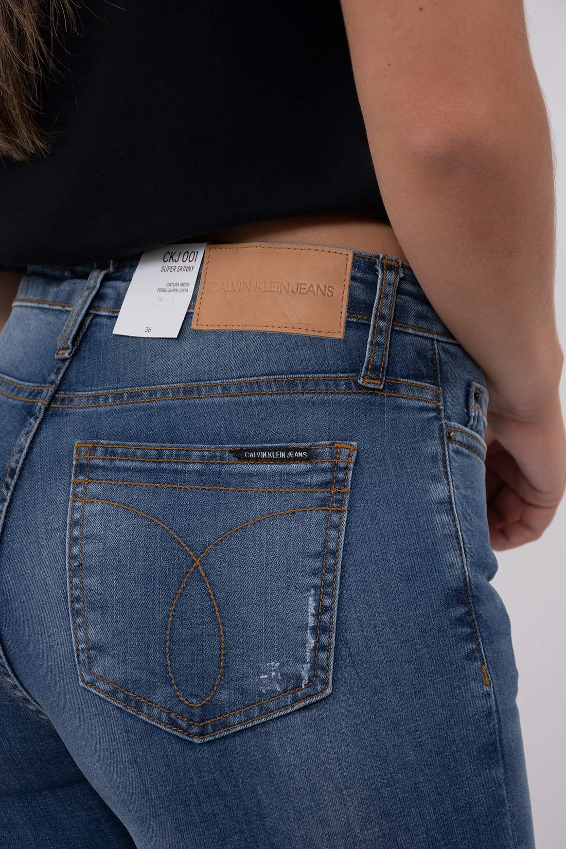 Calca Jeans Calvin Klein Bordado Na Barra