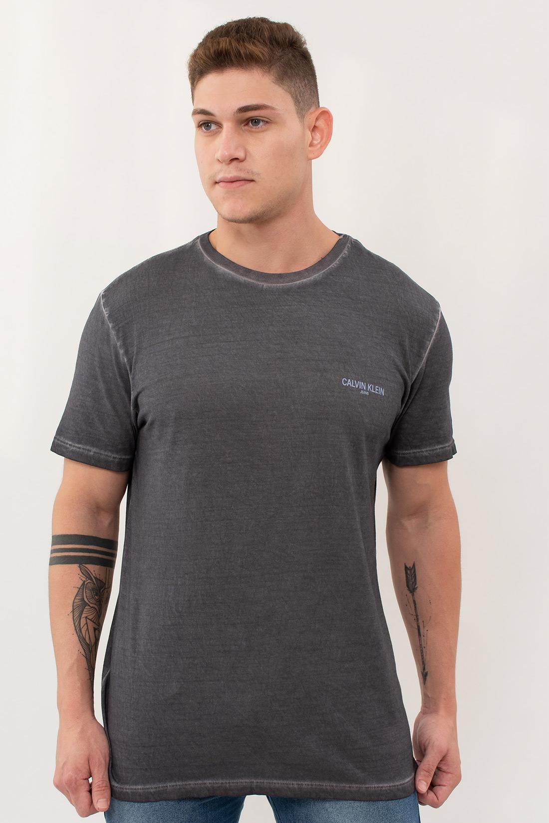 Camiseta Mc Calvin Klein Estonada Logo Peito