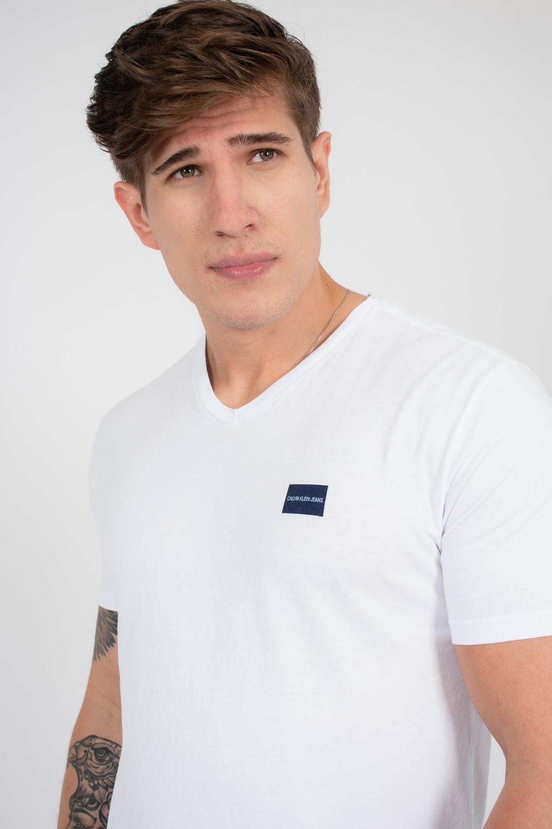 Camiseta Mc Calvin Klein Etiqueta Peito