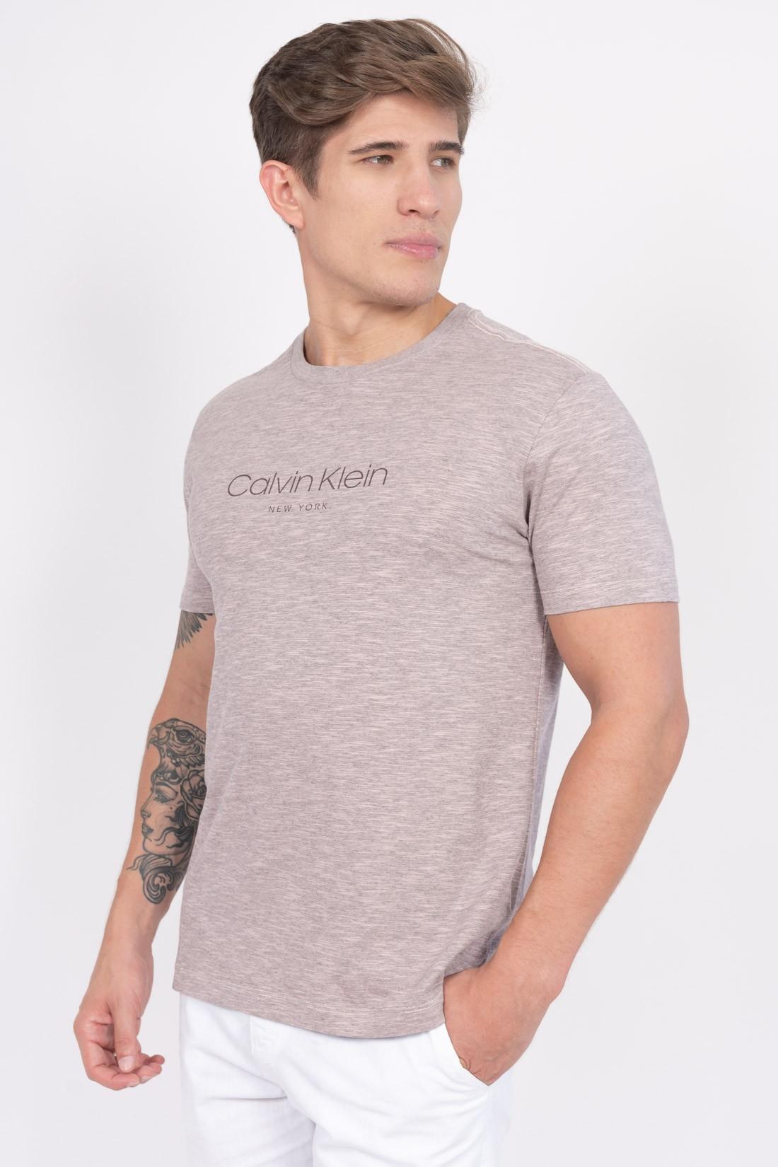 Camiseta Mc Calvin Klein Institucional Ny Flame