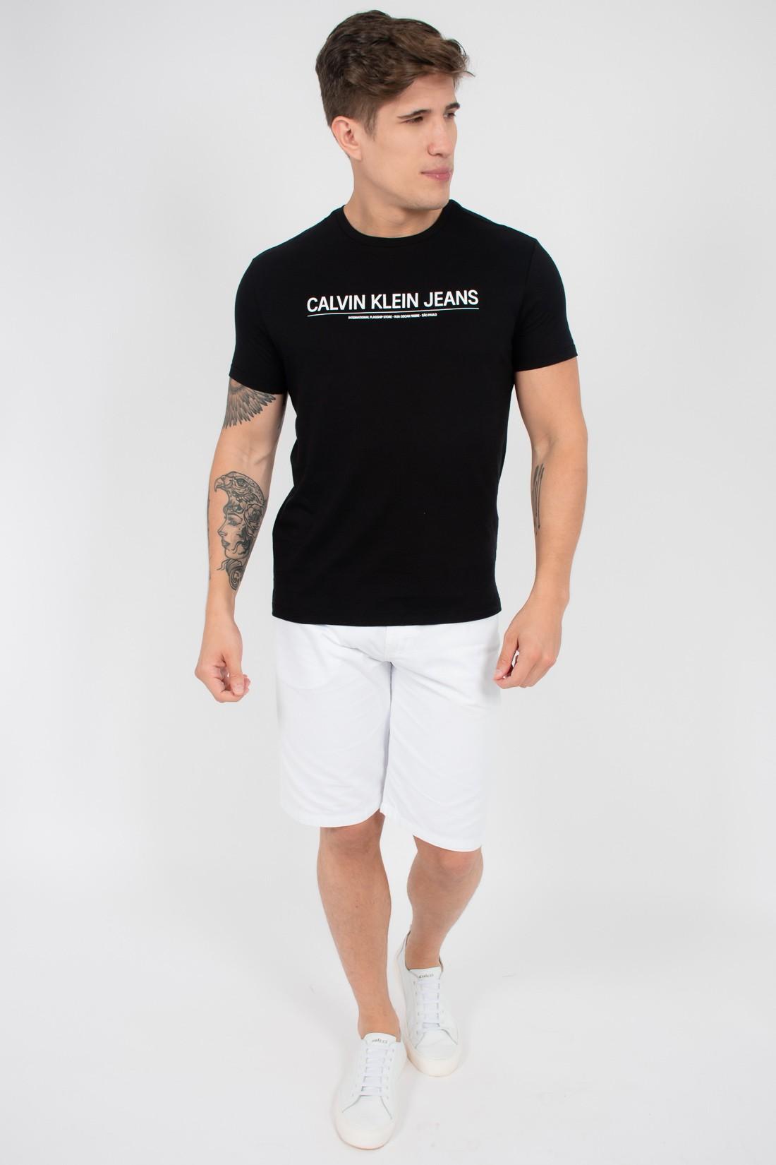 Camiseta Mc Calvin Klein Logo Meio
