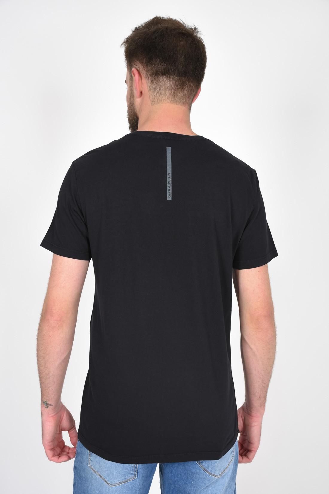 Camiseta Mc Calvin Klein Pride