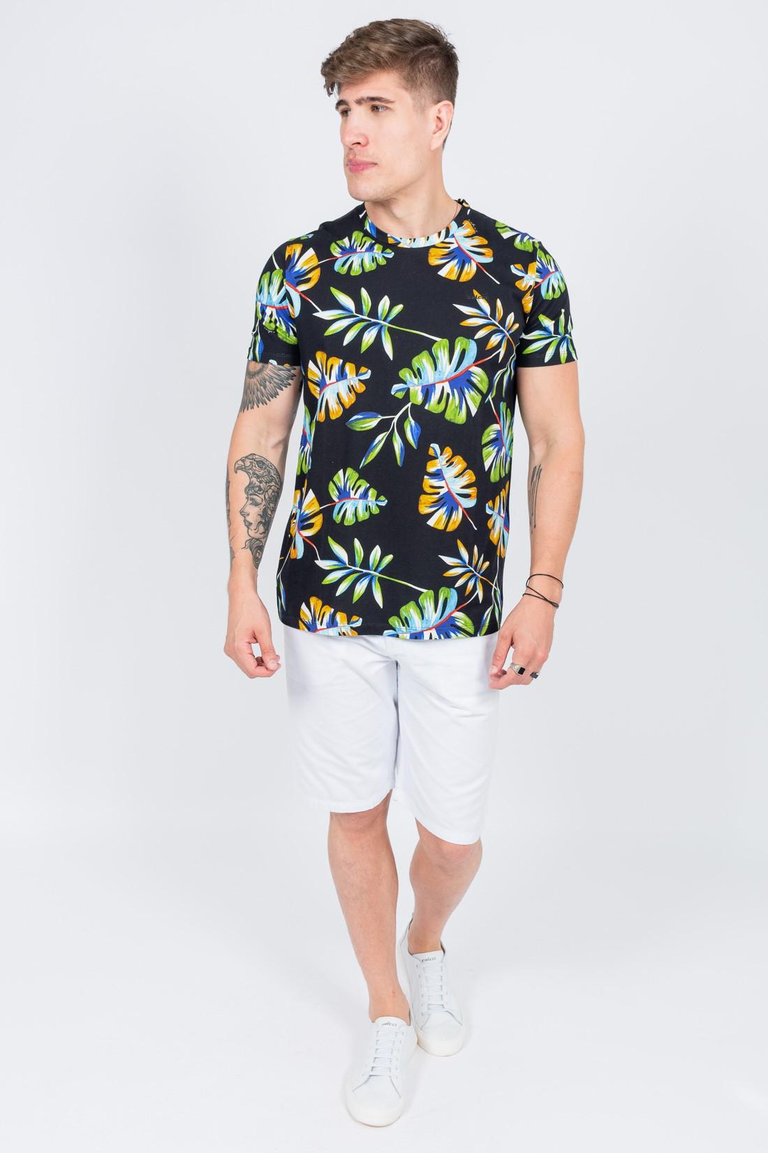 Camiseta Mc Colcci Folhagens