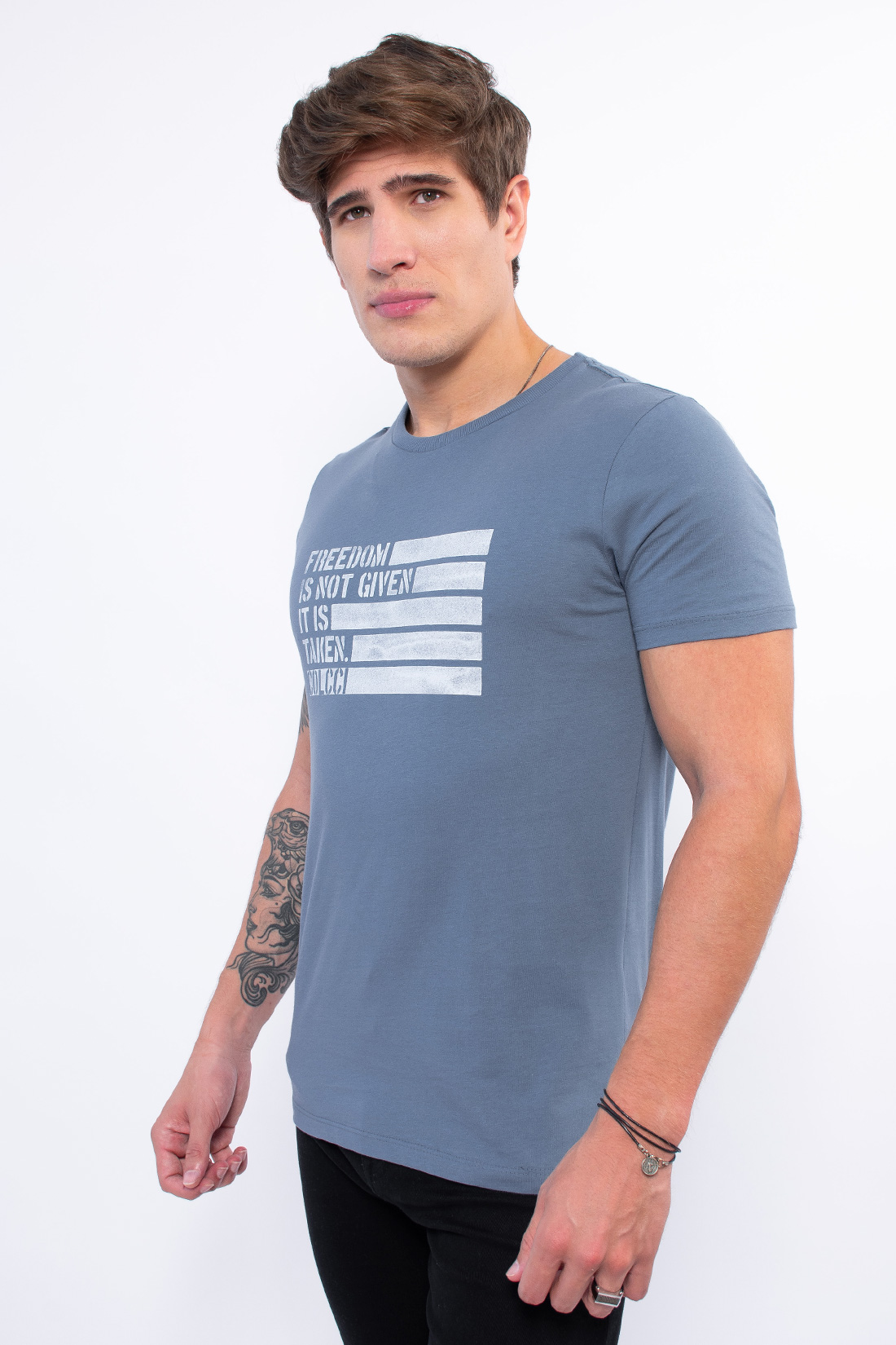 Camiseta Mc Colcci Freedom Is Not Given