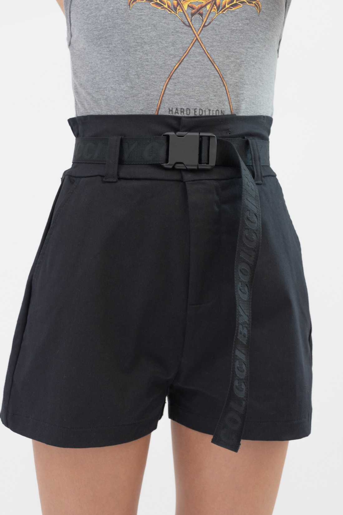 Shorts Colcci Clochard