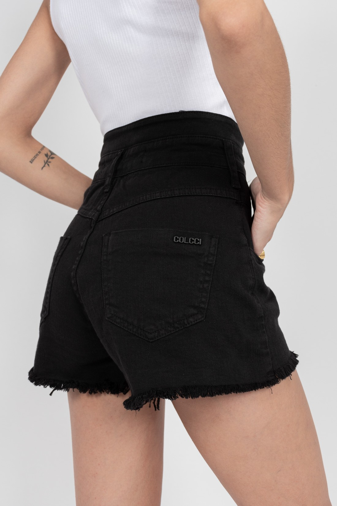Shorts Colcci Tay
