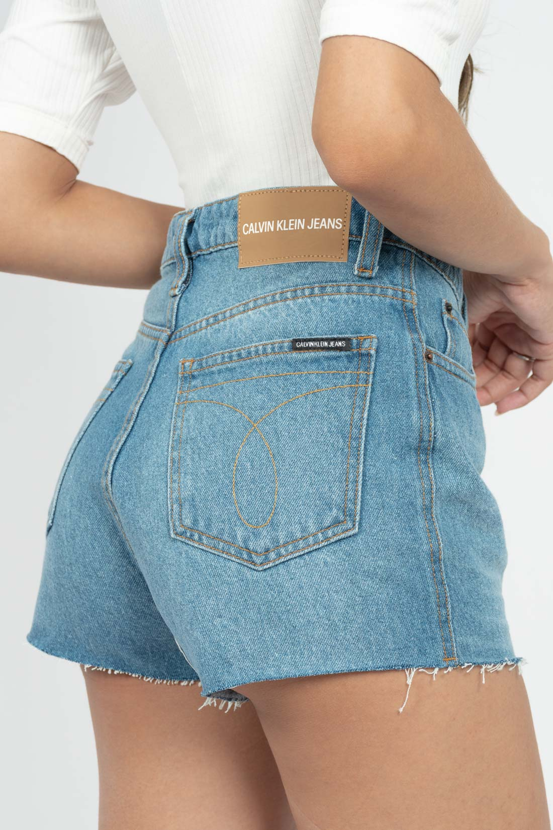 Shorts Jeans Calvin Klein Barra A Laser