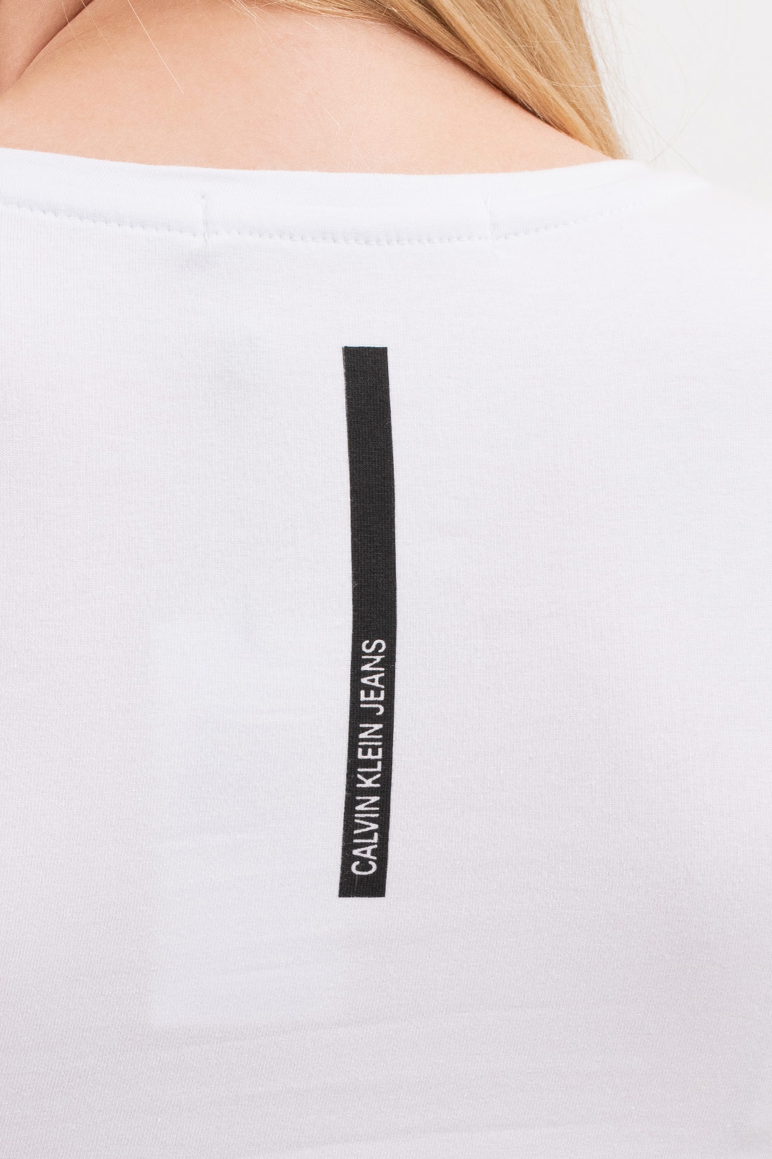 T Shirt Calvin Klein Ck Metalico