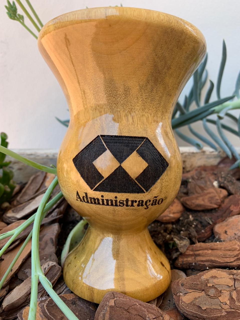 Cuia de madeira imbuia Personalizada