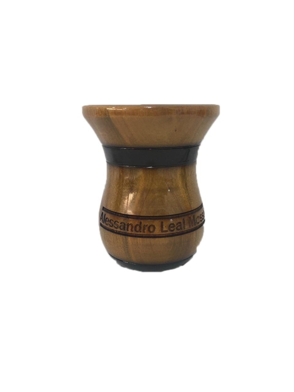 Cuia de madeira imbuia personalizada Detalhes escuros