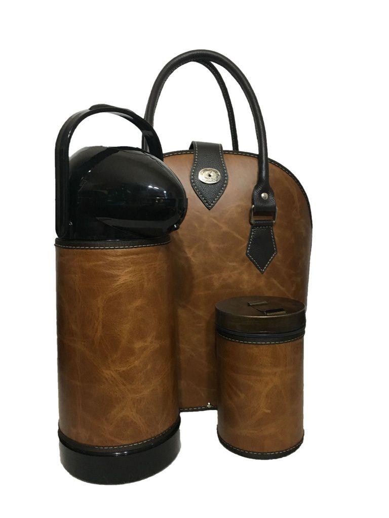 Kit chimarrão Bolsa em couro com térmica e porta erva