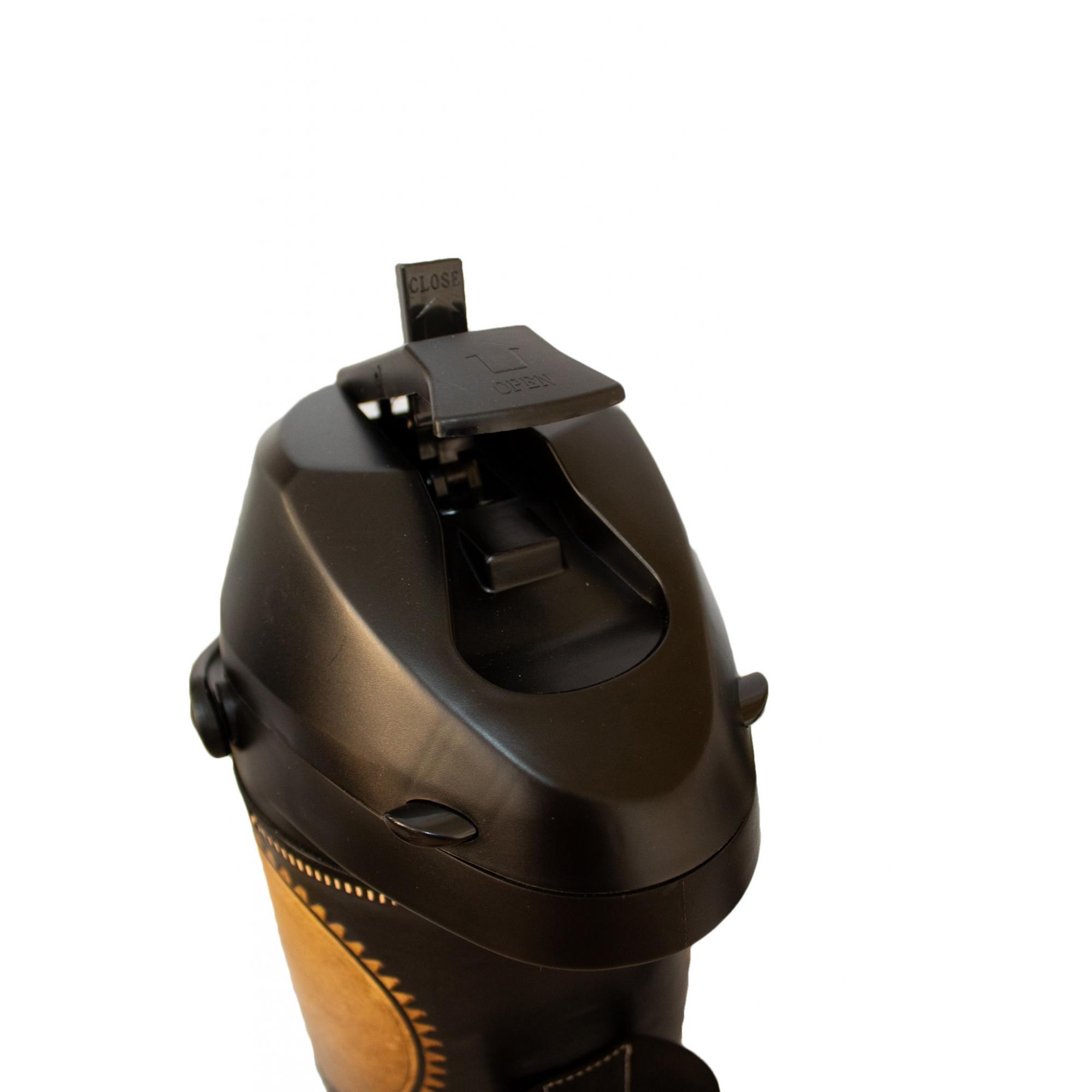 Kit tereré personalizável revestido em couro, copo alumínio, garrafa térmica 2,5 Litros de pressão e bomba inox