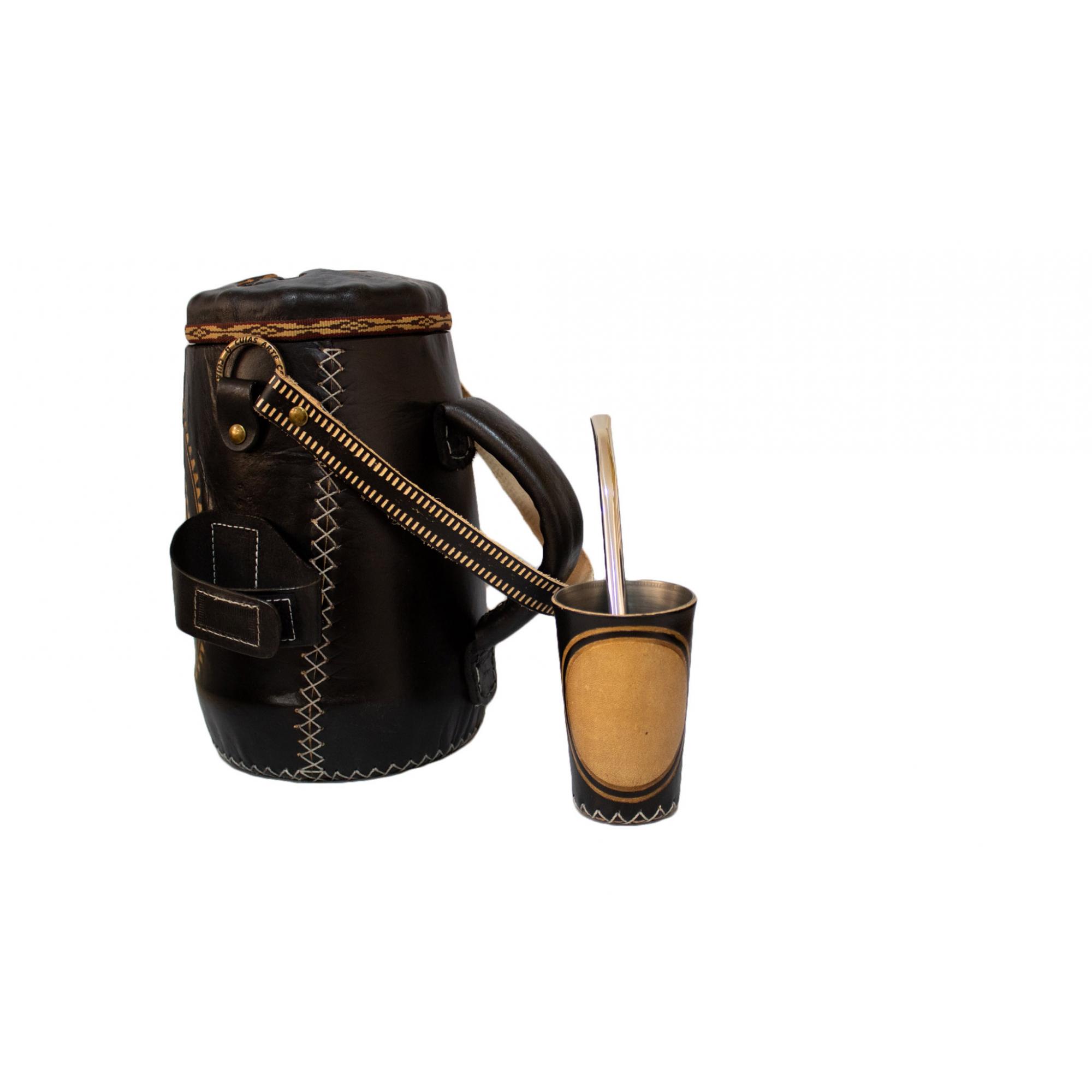 Kit tereré personalizável revestido em couro, copo alumínio, garrafa térmica 2,5 Litros e bomba inox