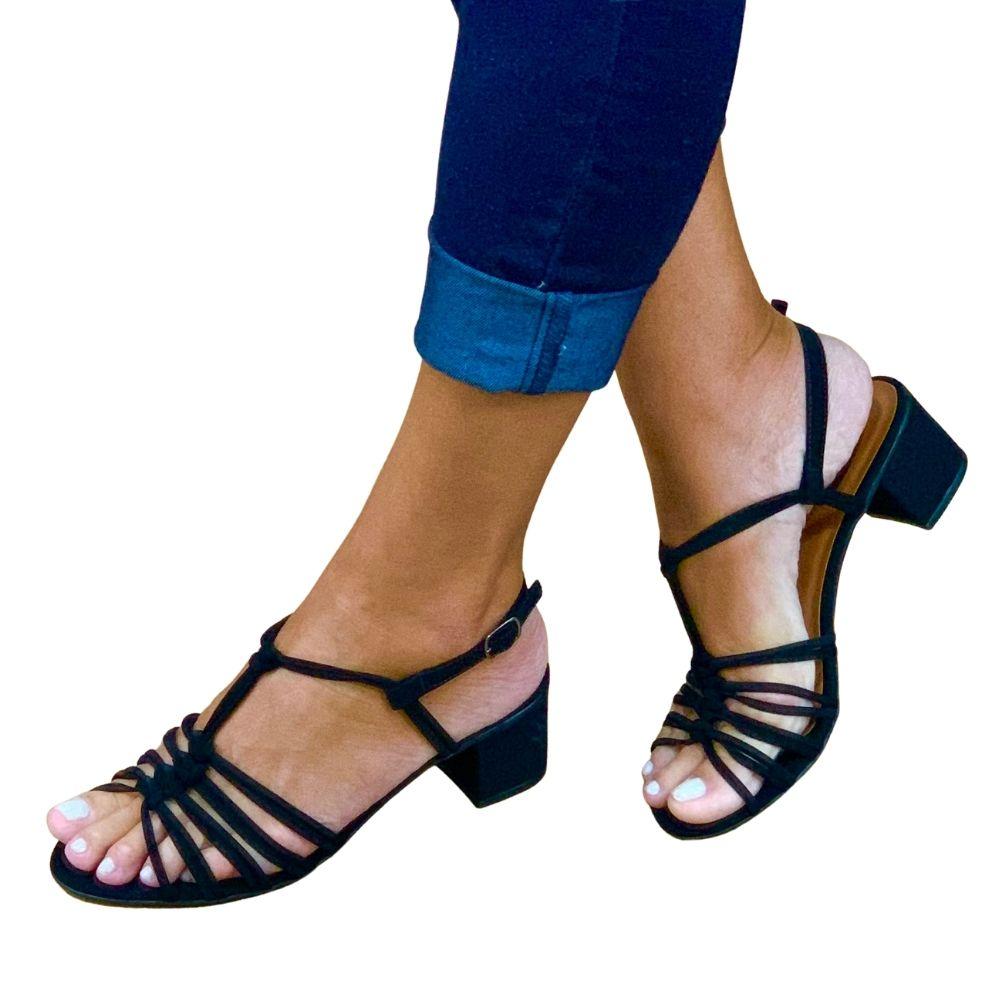 Sandália salto bloco tiras minimalistas