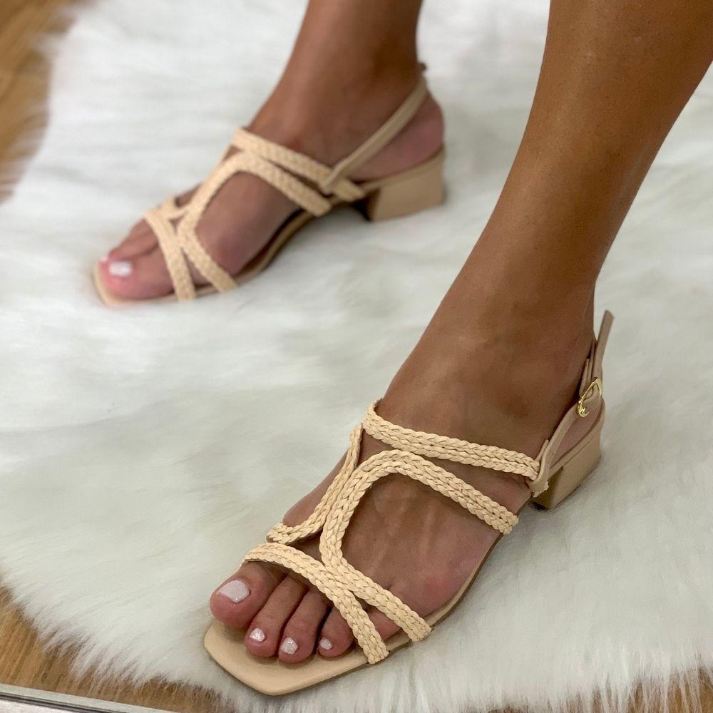 Sandalia salto bloco tiras trançadas