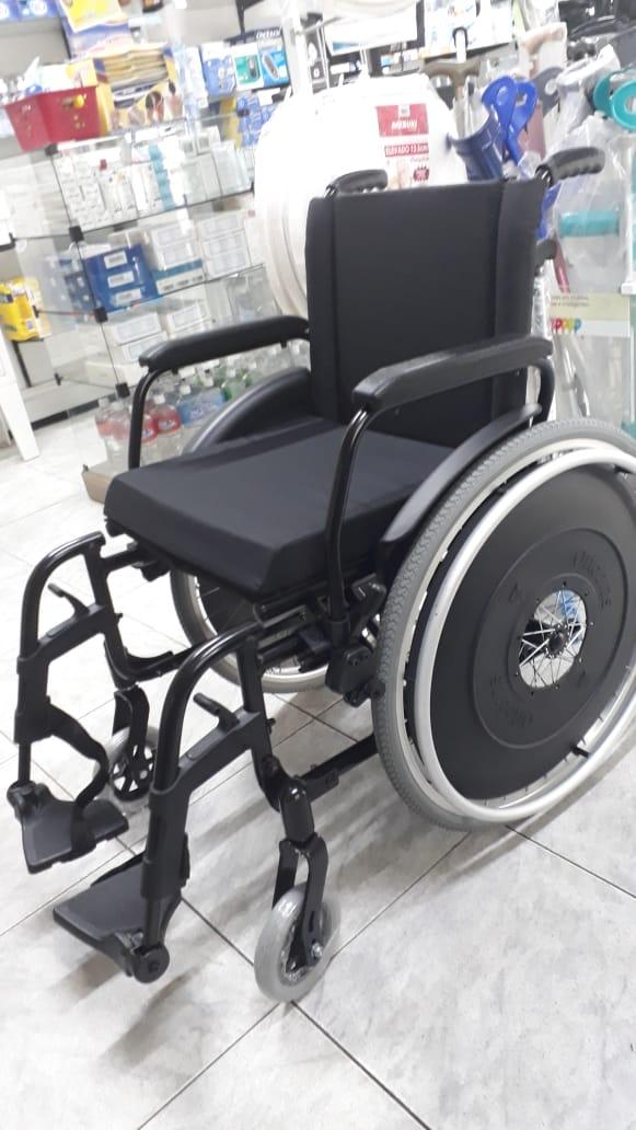 Cadeira Rodas AVD Alumínio 44cm Preta - Ortobras