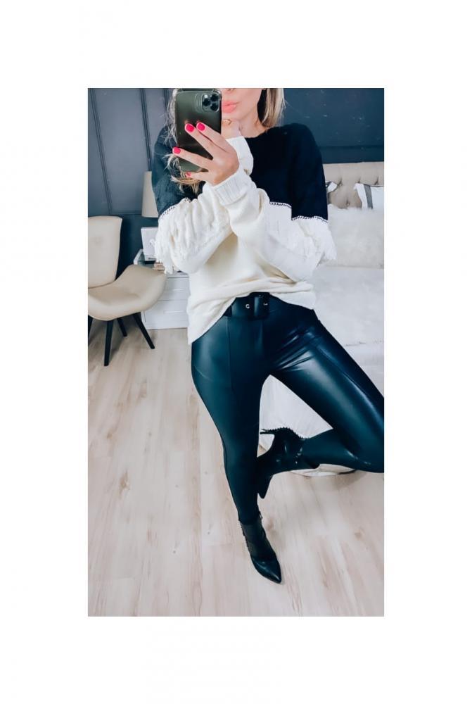 Calça Skinny Em Cirrê Glam Com Cinto - Preto Acetinado - Dalila