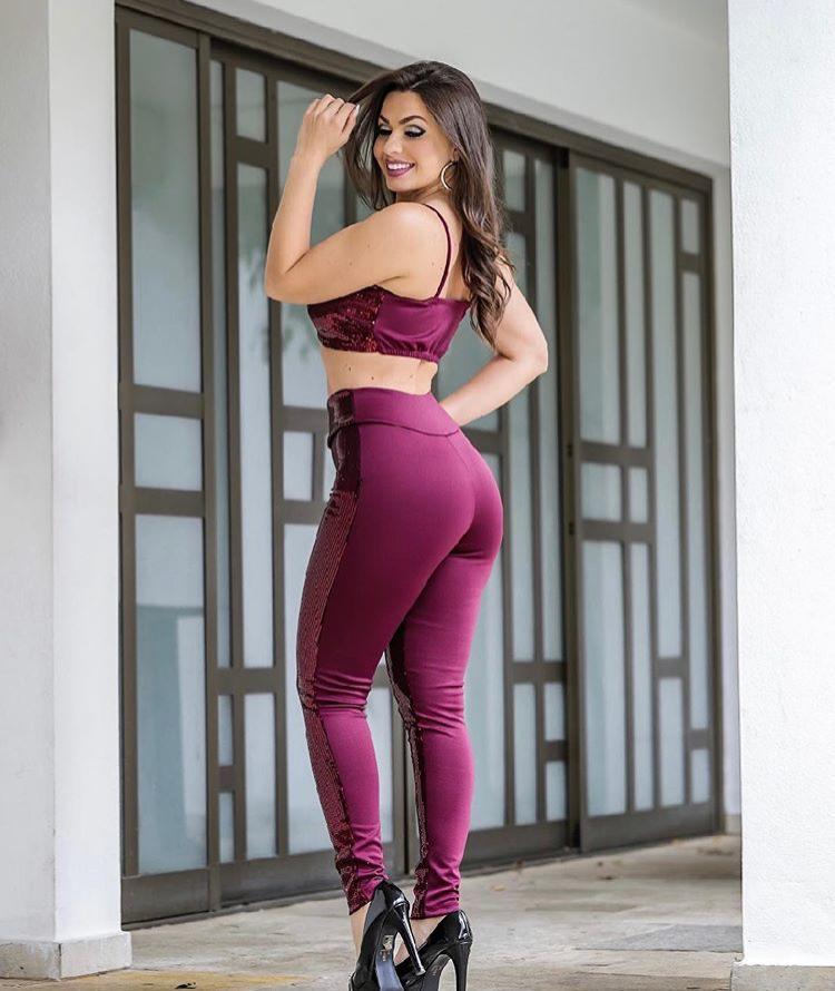 Conjunto Feminino Calça E Blusa Paetê Lançamento Conjunto Paetê Diversas Cores Envio Rápido