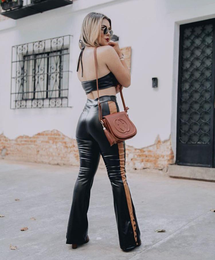 Conjunto Feminino Cropped com Calça Flare Couro Eco - Brenda