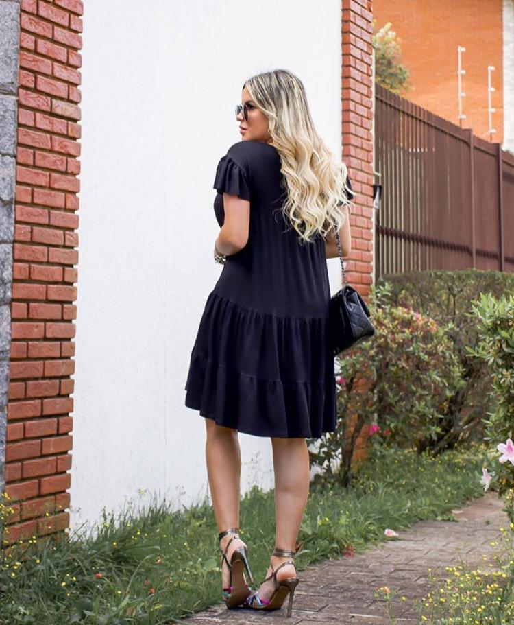 Vestido Curto Rodado Soltinho com Manguinha Preto - Lary