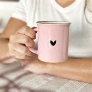 Caneca de Cerâmica Rosa com Coração