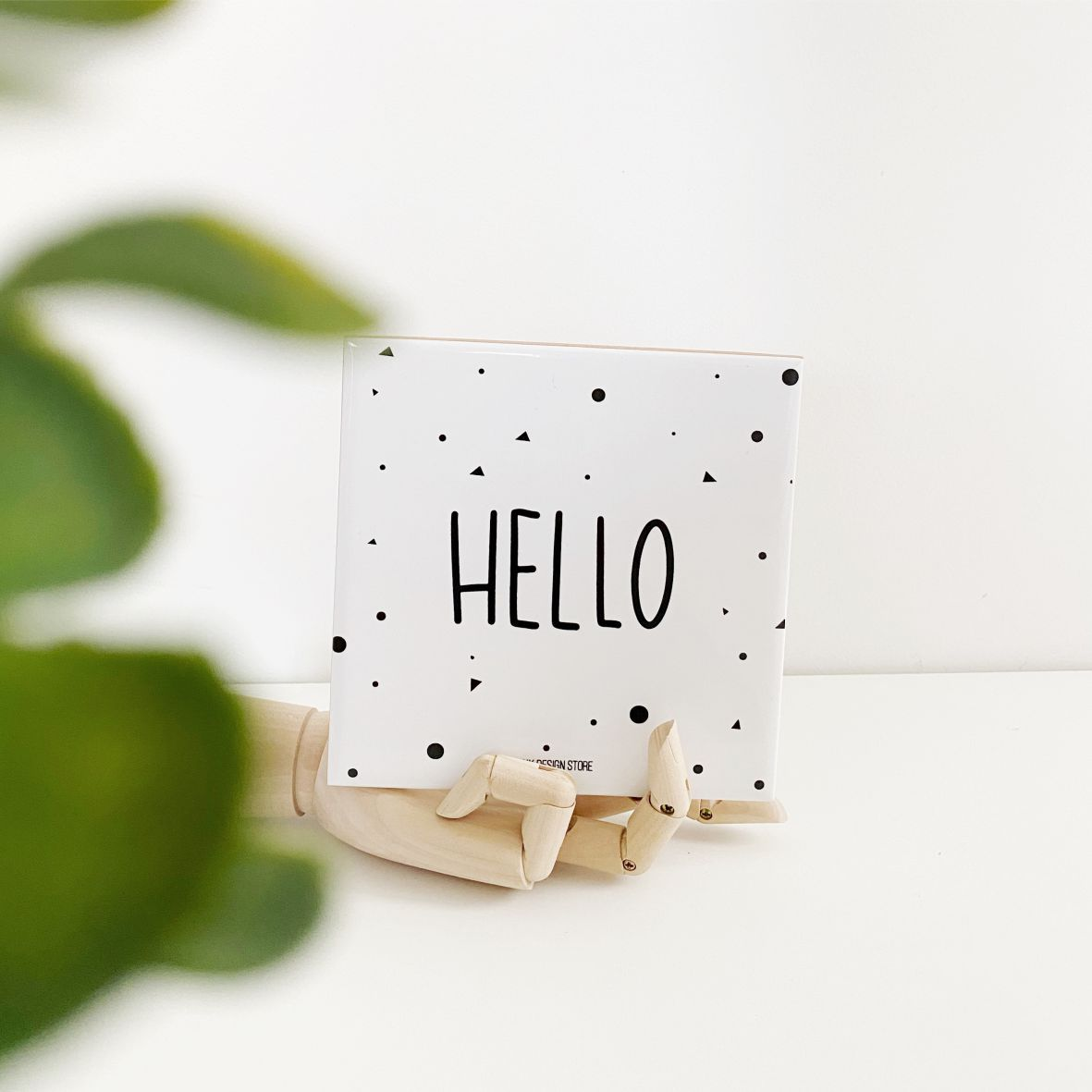 Azulejo Branco com Frase Hello