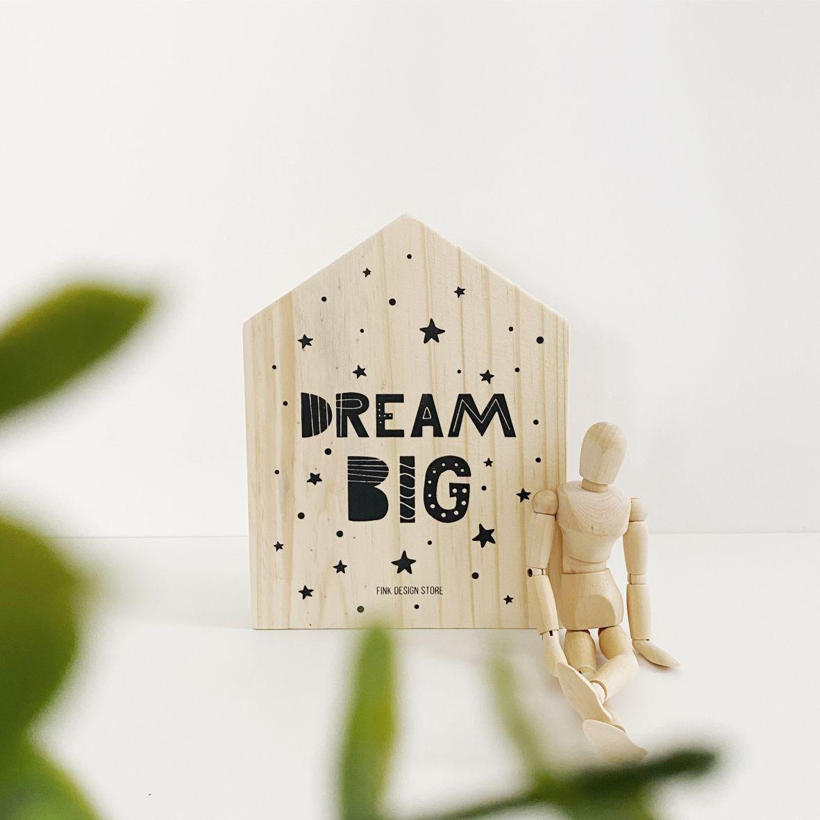 Quadro Decorativo com Frase Dream Big