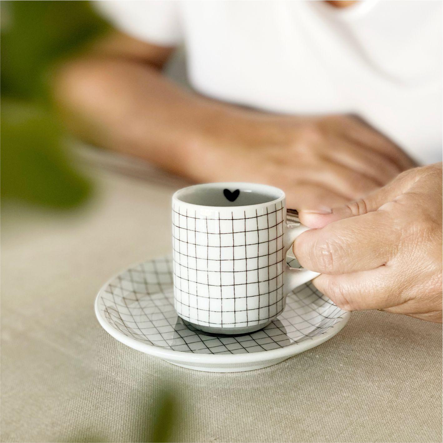 Xícara com Pires Grid e Coração para Café 65ml